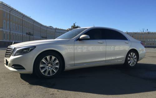 Аренда  автомобиля Mercedes-Benz S500 White с водителем в Санкт-Петербурге